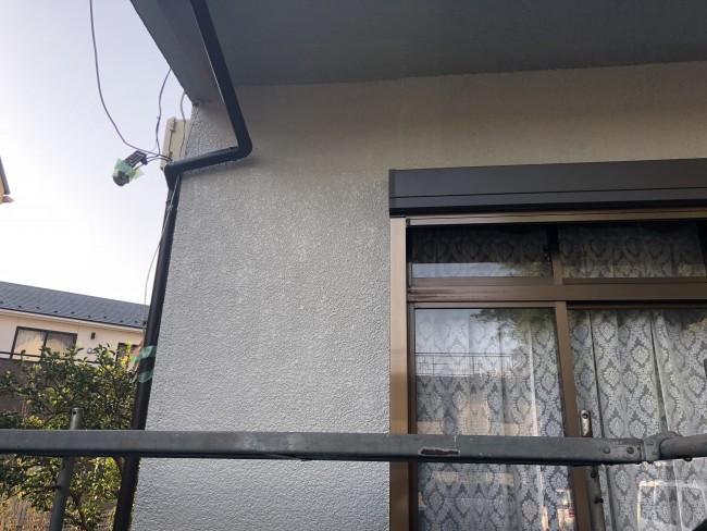 松戸市でシャッター取り付けに伴う改修塗装をしてきました。