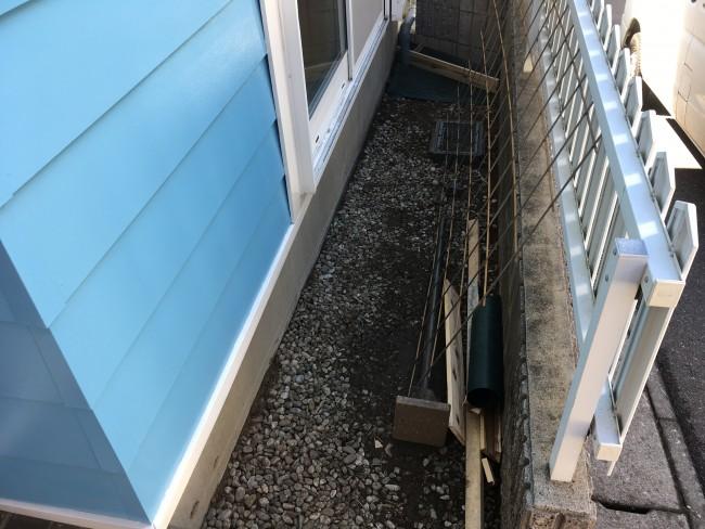 松戸市で土の所にコンクリートを打設しに来ています。