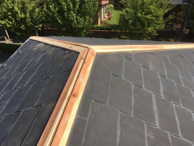 柏市で屋根の棟板金の交換工事をしてきました。