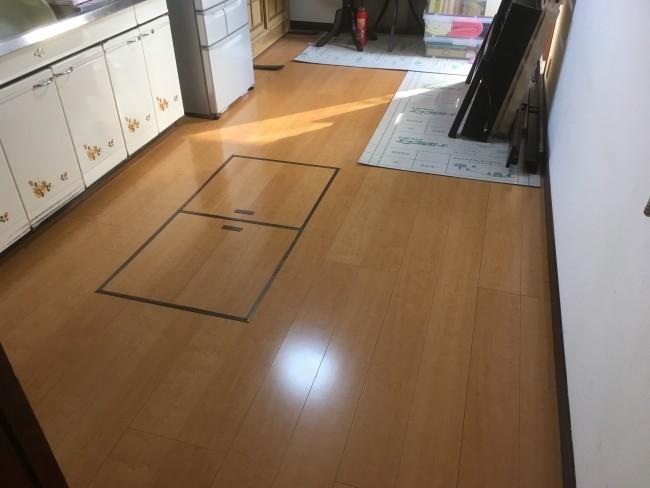 松戸市にて床の貼り替え工事をして来ました。